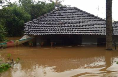 Kumaraswamy demands Rs 100 crore relief fund for rain-ravaged Kodagu