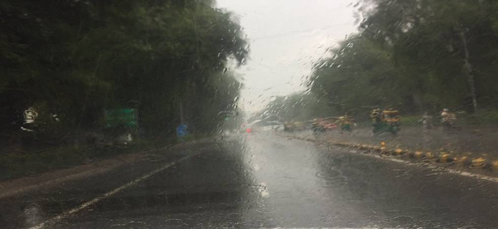 Delhi weather: Rains and thundershowers cool the capital (Photo: PTI)