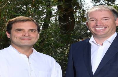 In Hamburg, Rahul discusses Kerala floods, GST with German Minister
