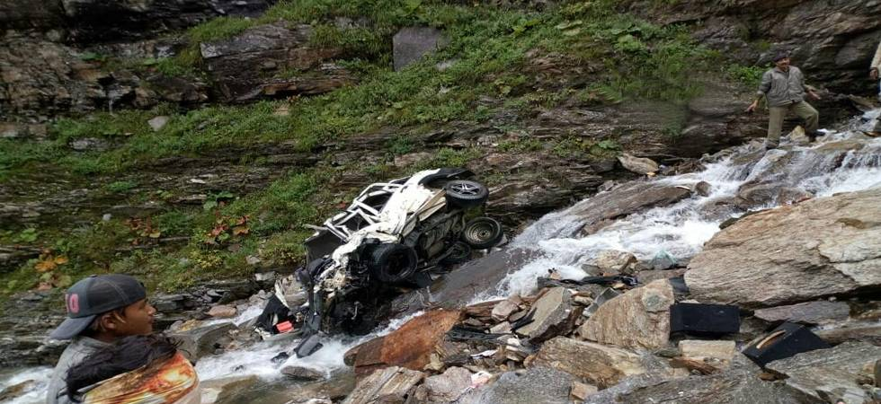 Himachal Pradesh: 11 killed in accident as car falls into gorge in Kullu (Photo: ANI/Twitter)