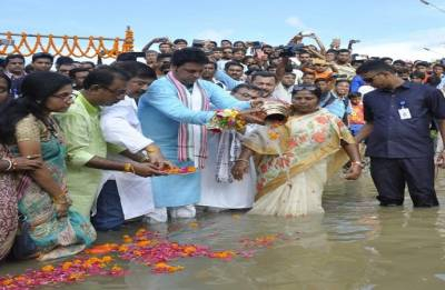 Vajpayee's ashes immersed in seven rivers of Tripura