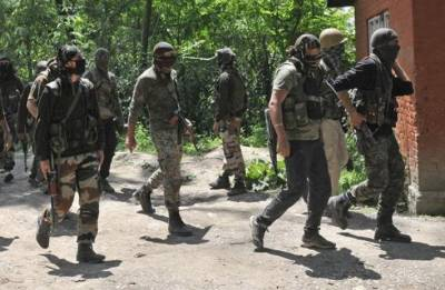 Jammu and Kashmir: Four militants surrender before security forces in Kupwara