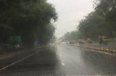Delhi weather: Heavy rain lashes city; brings respite from humidity
