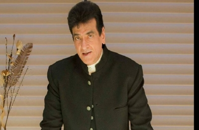 After Jeetendra, celebrities share memories of their first home