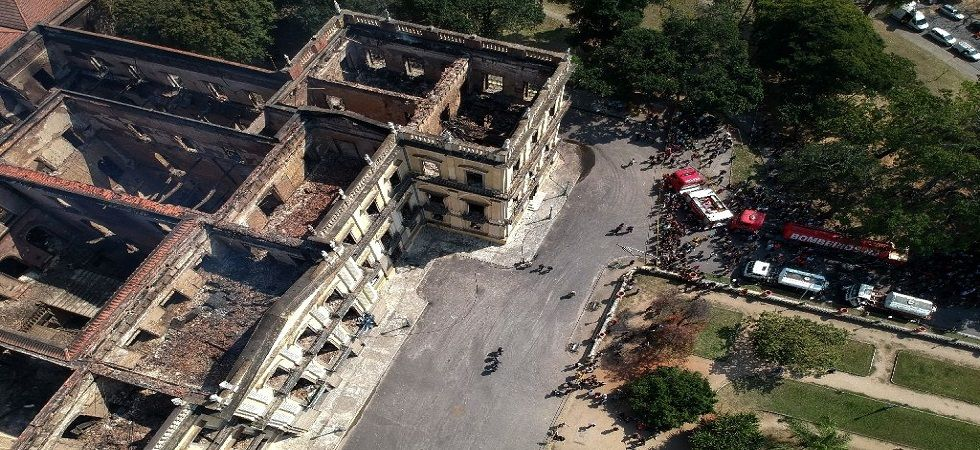 Citizens blames authority over Brazil museum inferno, says 'lack of attention' (Photo- Twitter/@cahulaan)