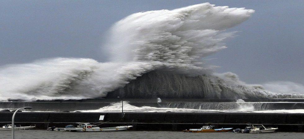Typhoon Jebi hit western Japan, nine killed, several injured (Photo- Twitter/@porinju)