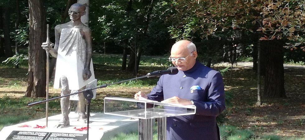 Kovind, Bulgarian president unveil Mahatma Gandhi's statue at South Park (Photo: Twitter)