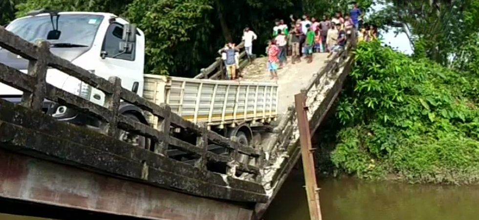 West Bengal: Canal bridge in Siliguri's Phansidewa collapses (Photo: Twitter)