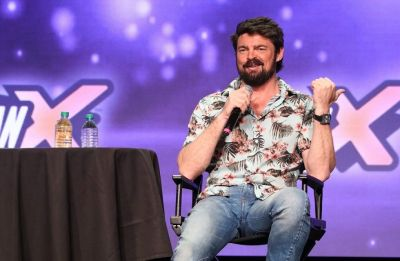 Quentin Tarantino's 'Star Trek' film is 'bananas', says Karl Urban