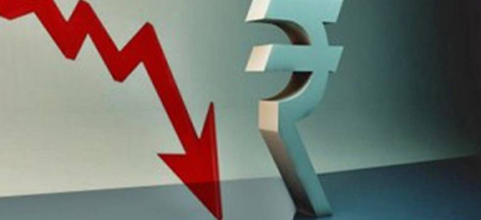 Sensex tumbles 468 points as Rupee hits a lifetime low of 72.67 (file photo)