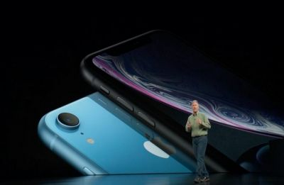 Apple to broaden iPhone lineup with more screen