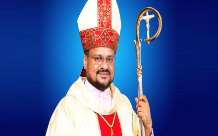 Kerala Nun Rape Case: Jalandhar Bishop Franco Mulakkal hands