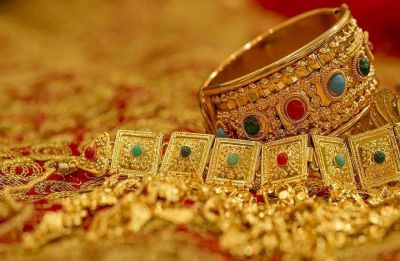 Gold prices rise by Rs 180 per 10 gram courtesy local jeweller's buying