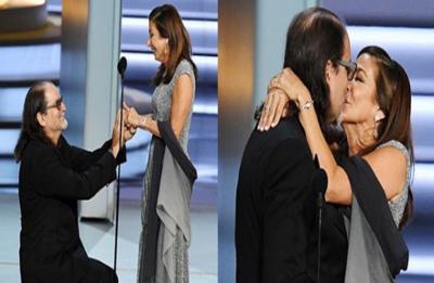 Glenn Weiss proposes girlfriend Jan Svendsen in Emmys acceptance speech