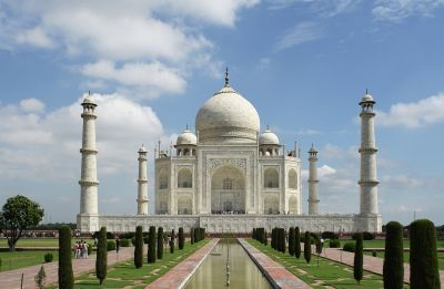 Taj Mahal: SC extends deadline for UP government to submit vision document