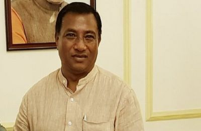 Meghalaya minister donates 1 month's salary for Kerala relief fund