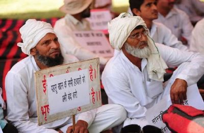 Alwar lynching: Pehlu Khan's sons, key witnesses shot at on way to court
