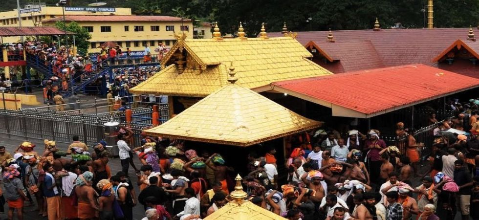 Women from Hindu outfits to 'wait' to enter Ayyappa shrine (File Photo)