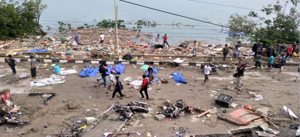 384 people dead after scary tsunami waves, quake hit Indonesia (Photo Source: Twitter)