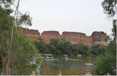 Delhi: Satisfied with IIT-Roorkee report, NGT okays Purana Qila lake revival