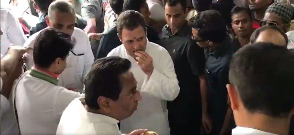 Watch | Sonia Gandhi, Rahul Gandhi wash plates at Sevagram to epitomise Gandhism (Photo: Video grab)