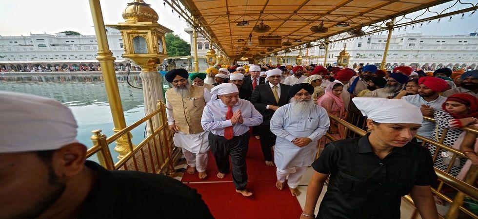 UN Secretary General Antonio Guterres visits Golden Temple in Amritsar (Photo- Twitter/@antonioguterres)
