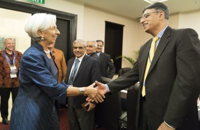 IMF chief, Pakistan FM meet as Islamabad seeks financial assistance for bailout