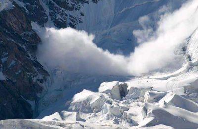 Five Koreans among nine killed as powerful avalanche hits Nepal's Mount Gurja
