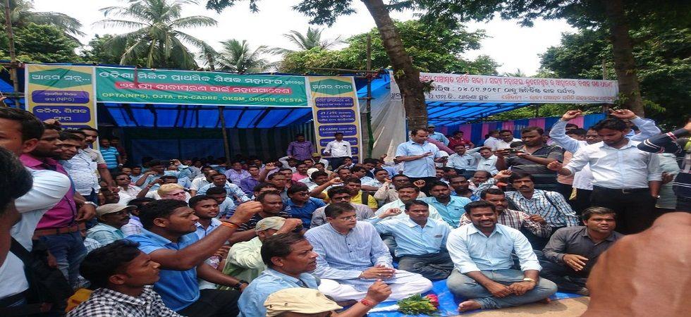 Block grant teacher defer strike till November 30 after government assurance (Photo- Twitter)
