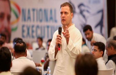 'Rafale is your right': Rahul Gandhi meets HAL employees in Bengaluru