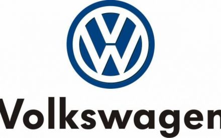 Volkswagen offers more incentives to unload old diesel models