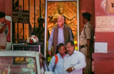 #MeToo: Editors Guild asks MJ Akbar to withdraw defamation case against journalist Priya Ramani