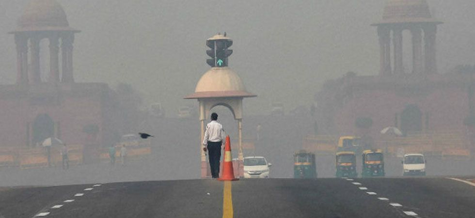 Delhi air quality dips to 'very poor', likely to worsen in coming days (PTI Photo)