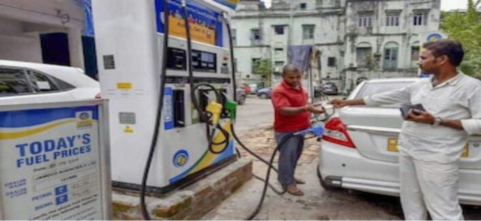 Petrol pump strikes affect the daily life of harried commuters in Delhi (Twitter photo)