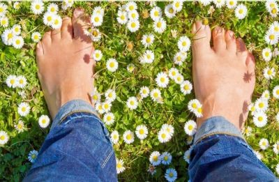 Five natural ways to get rid of smelly feet