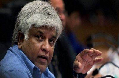 Sri Lanka: Constitutional crisis deepens as Arjuna Ranatunga's bodyguards fire at mob; one killed