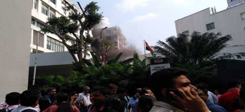 Kolkata: Fire at Apeejay House building on Park Street (Photo Source: Twitter)