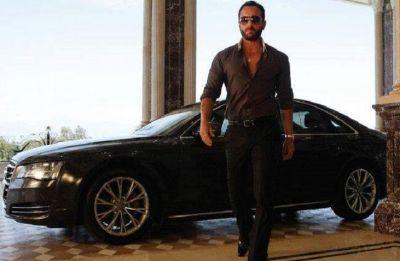 Saif Ali Khan says he shops his clothes himself and not wife Kareena Kapoor Khan