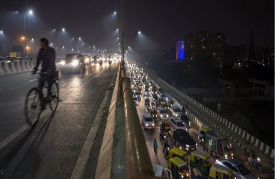 Delhi air pollution peaks again; AQI recorded in 'severe' category