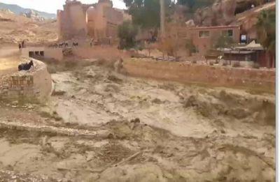 Two children, diver among 11 killed in Jordan flash floods