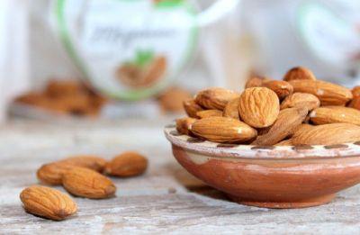 'Almonds may boost heart health in diabetic people'