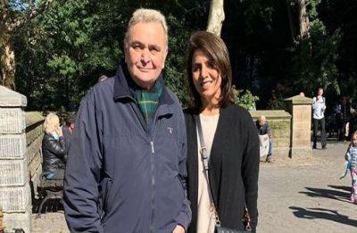 Shah Rukh Khan with Gauri, Suhana visit Rishi Kapoor in New York