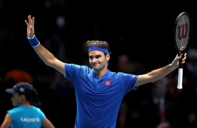 Roger Federer loses in ATP Finals in match marred by bizarre ball boy incident