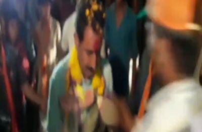 Watch: Madhya Pradesh BJP MLA Dilip Shekhawat greeted with garland of shoes