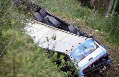 UP: Lucknow-Gorakhpur highway bus accident killed driver, seven injured