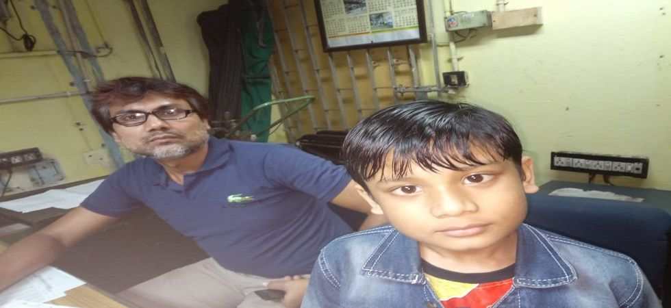 Boy separated from parents at Kolkata metro, rescued safely (Photo- Twitter)