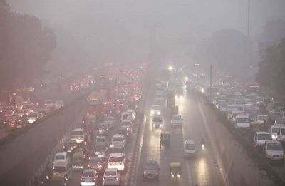 Delhi Pollution: Air quality continues to be in 'poor' category, AQI recorded at 243