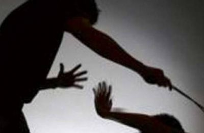 Odisha: Husband thrashes wife with wooden plank suspecting her infidelity