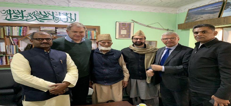 Sri Sri Ravishankar's representative was accompanying the former Norwegian PM: Mirwaiz Umar Farooq (Image: Twitter @ Mirwaiz Umar Farooq)