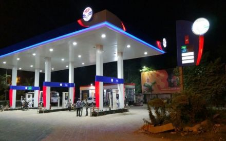 Petrol pump dealers to move court against Centre's decision